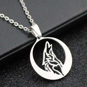 Stainless Steel Howling Wolf Necklace Unisex Round